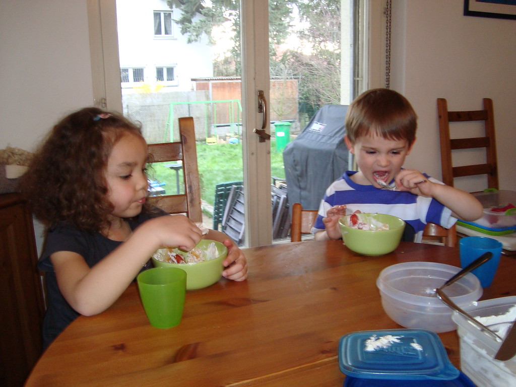 Kaili & Jack LOVED Rhonda's strawberry shortcake