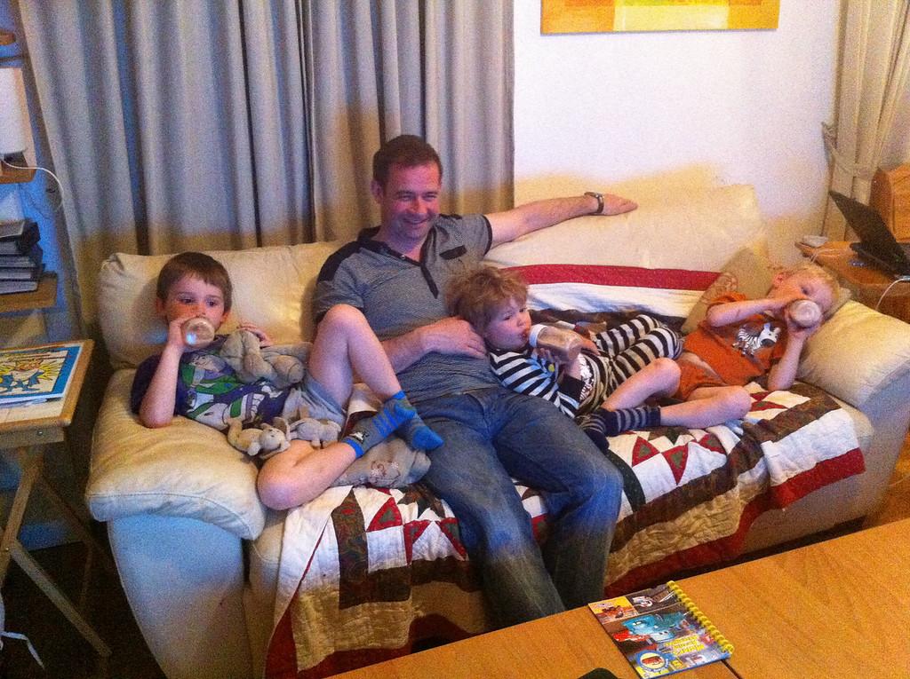 005 Boys on the Sofa