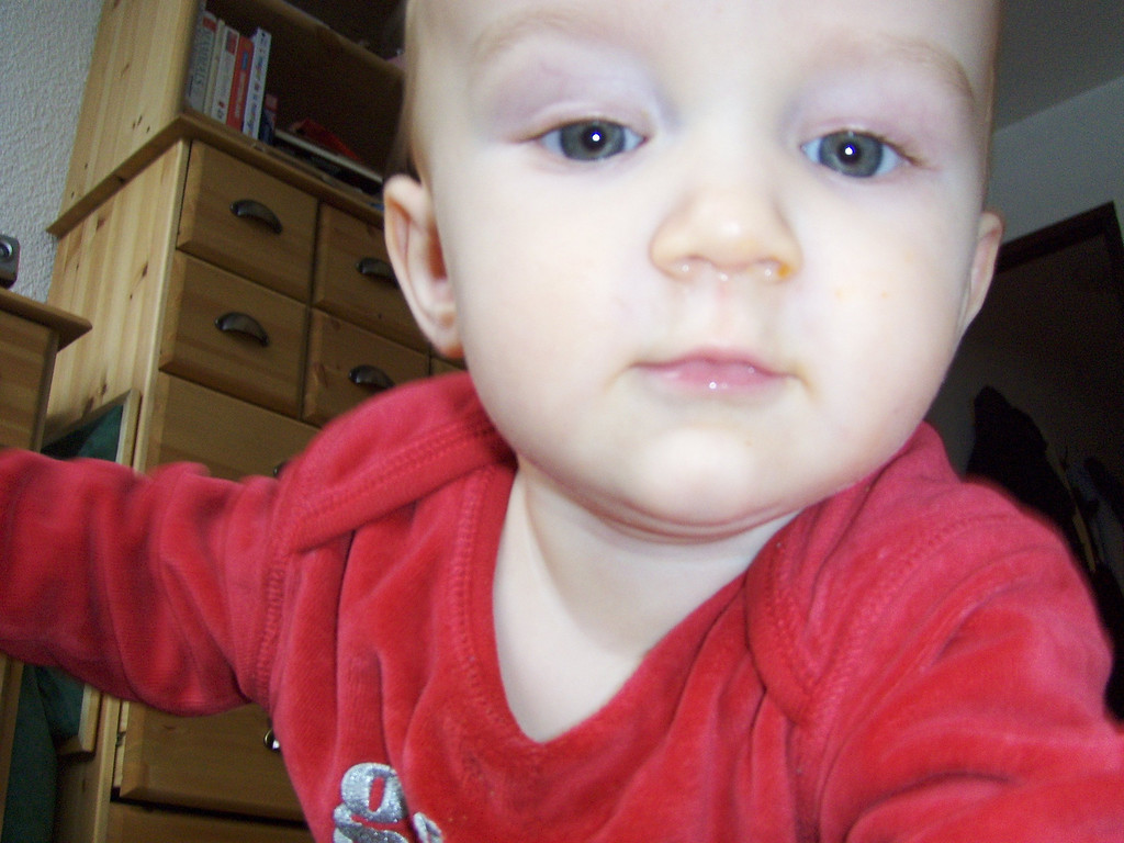214 Extreme Baby Close-up