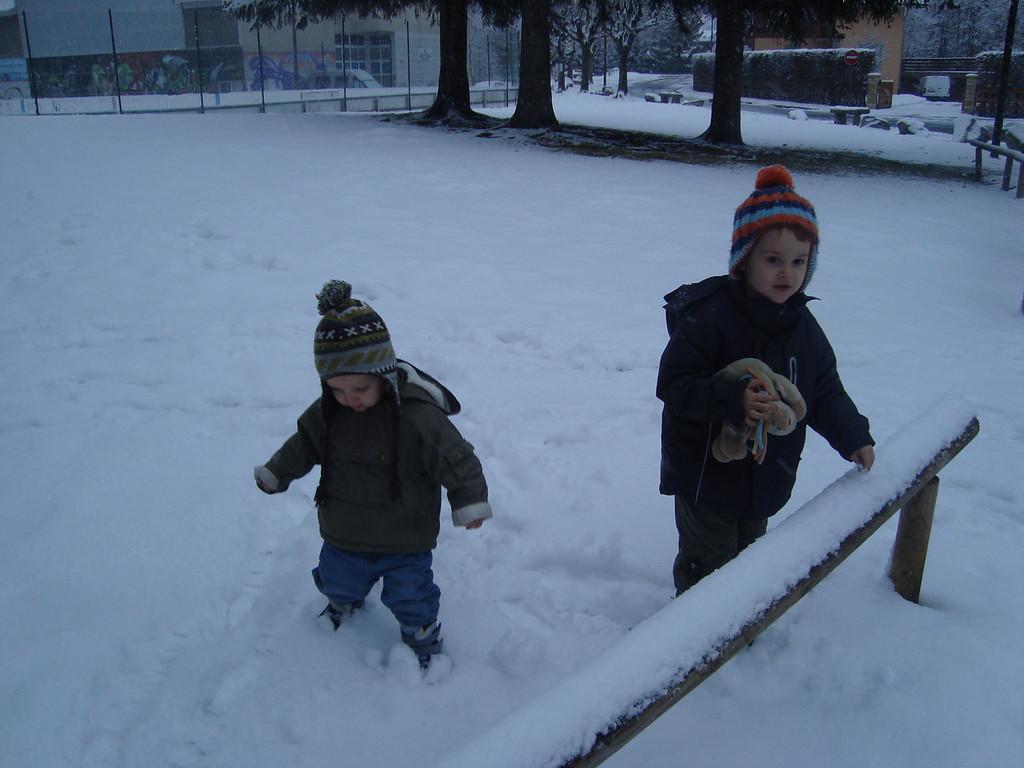 024 Enjoying the Snow