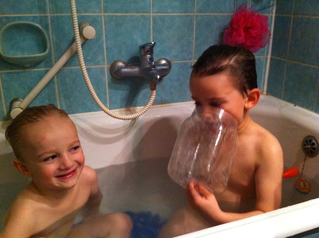 051 Bathtime Fun