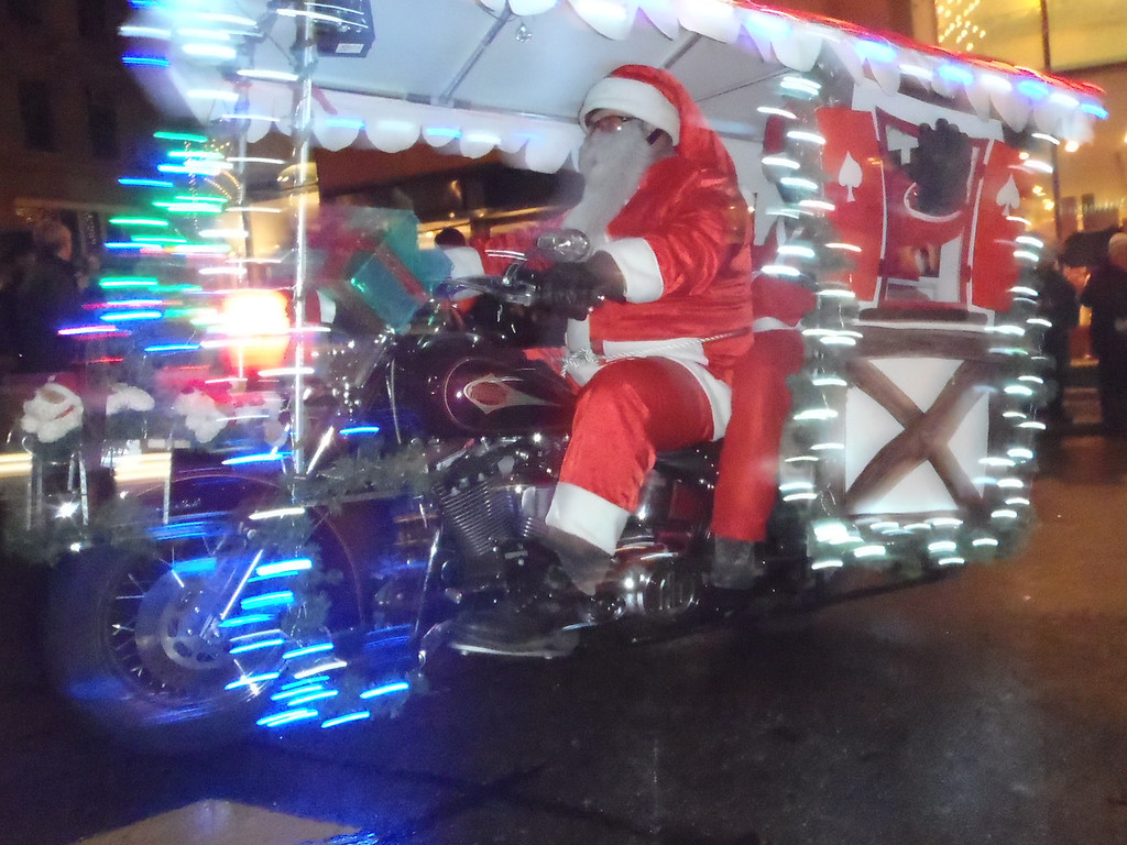 034 Santas on Harleys