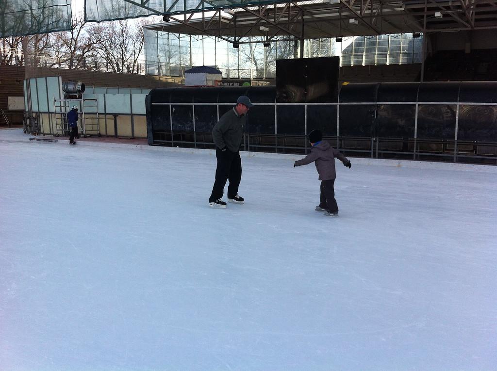 047 Saturday Morning Skating