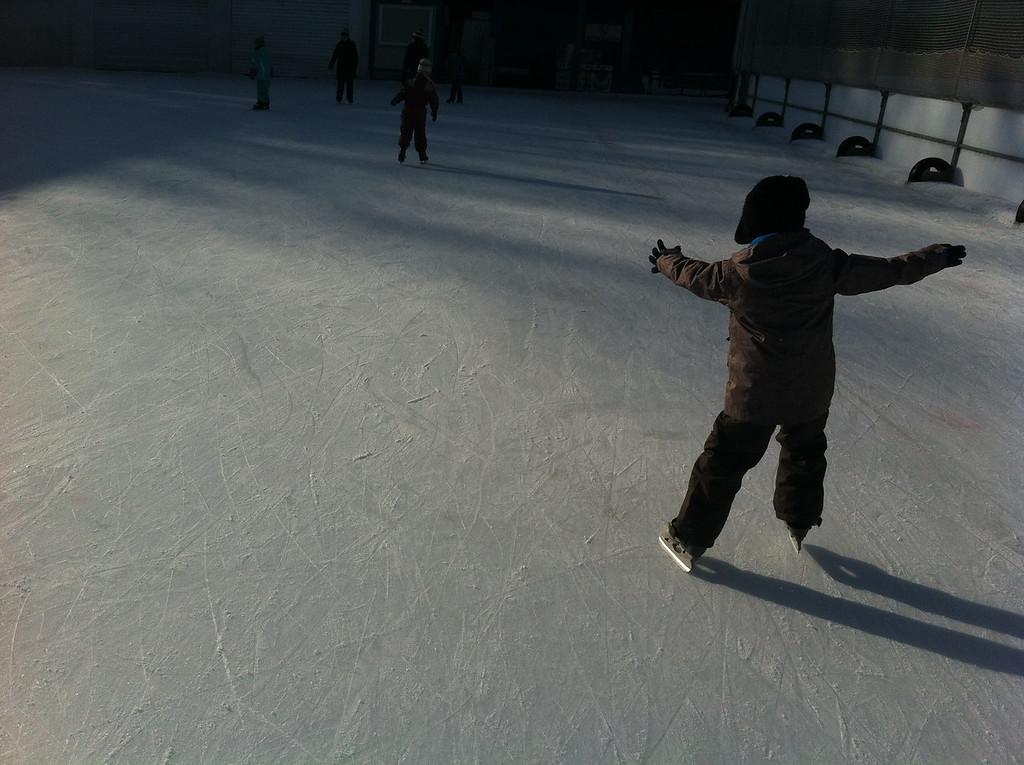 048 Saturday Morning Skating