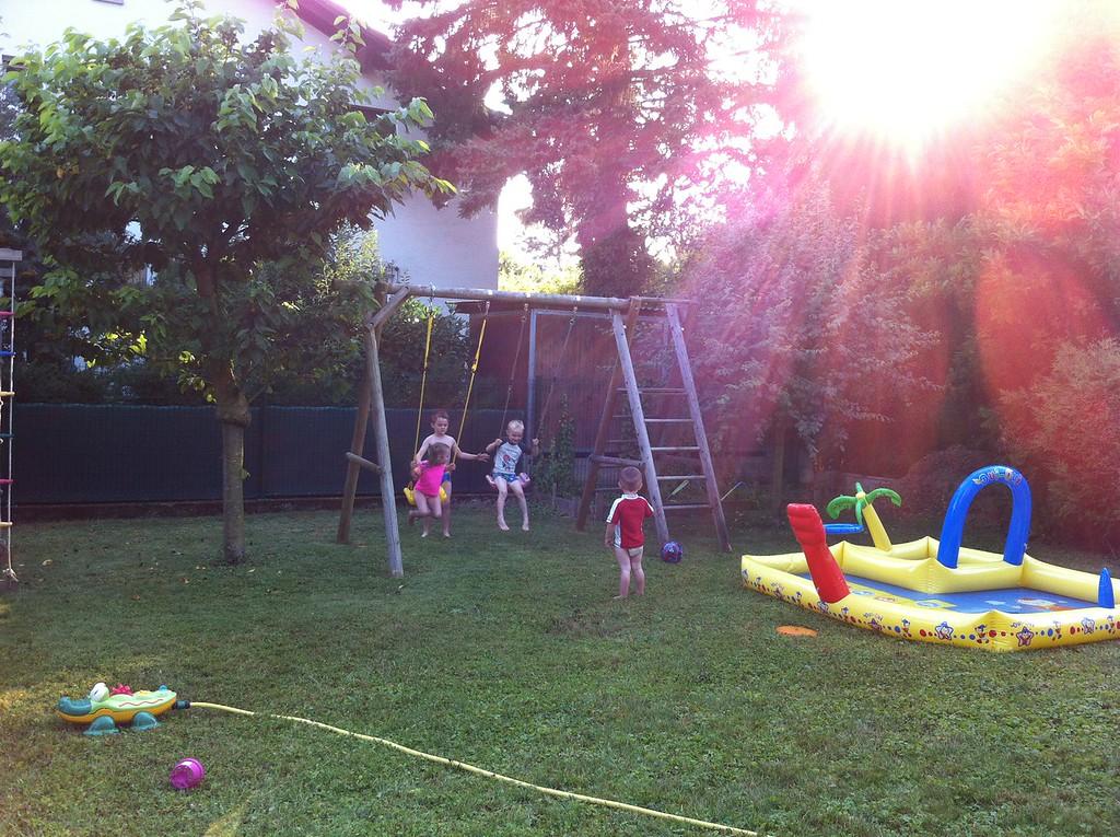 051 Happy Kiddies