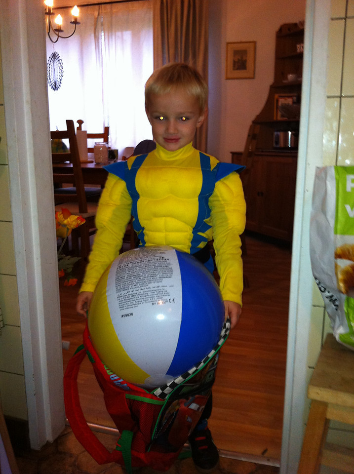 Danny wants to take his beach-ball to Chamonix!